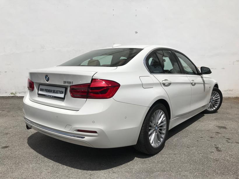 BMW 318i F30 Sedan 4dr Luxury SA 8sp RWD 1.5DiT