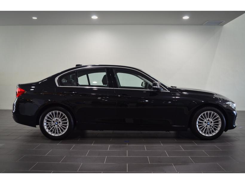BMW 3 Series 318i Luxury