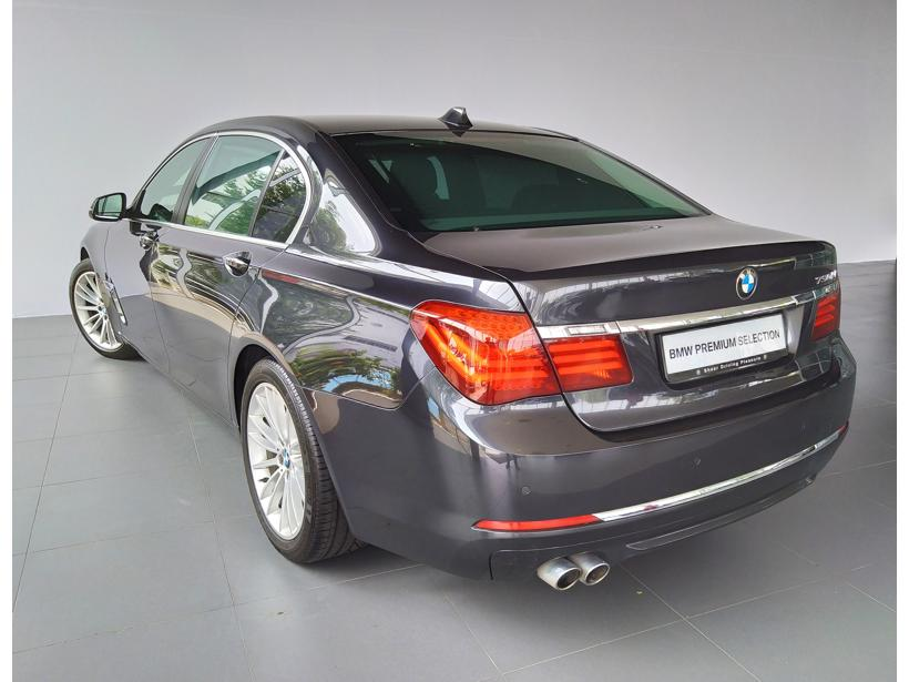 BMW 7 Series 730Li Sedan